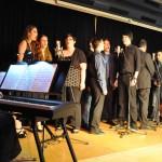 "Das Musical Ensemble Erft bei der Premiere des Konzertprogramms ""Musical meets Movies"" im Mai 2013."