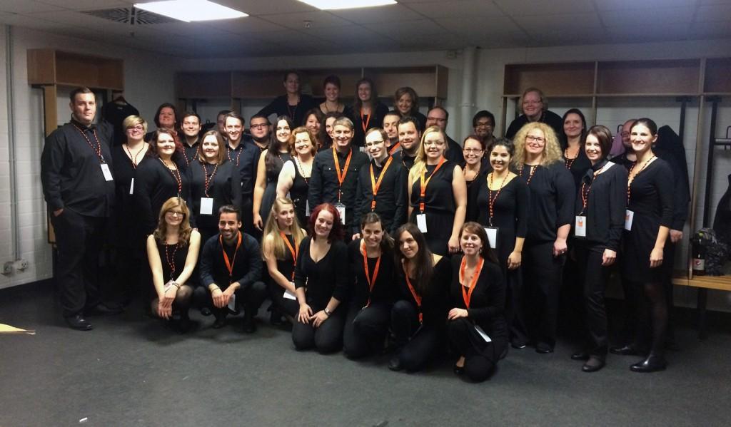 Gemeinsam sind wir stark: Das Musical Ensemble Erft mit den Kollegen vom Sound of Music Chor vor unserem Auftritt in der LANXESS Arena.