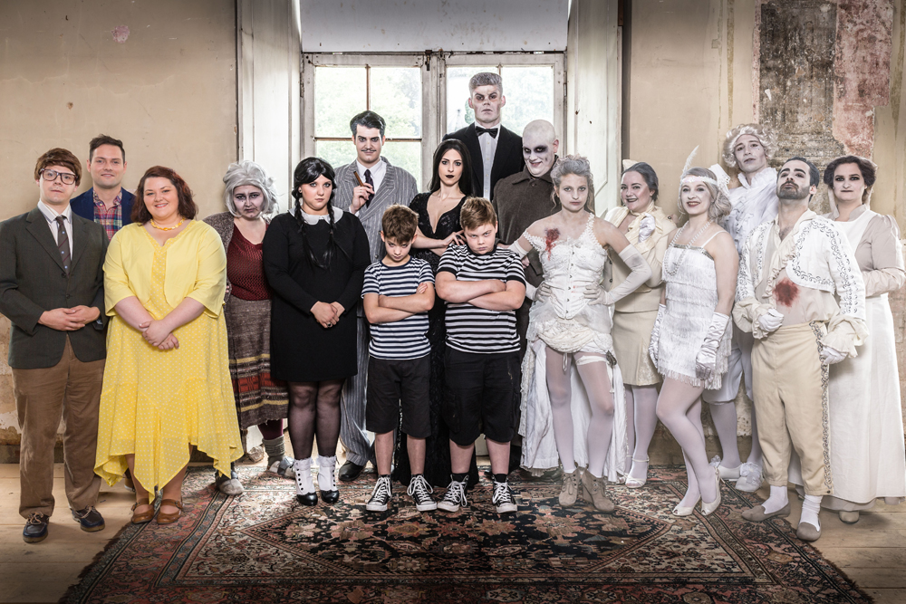Cast 'The Addams Family' - Musical Ensemble Erft - (c) Dominik Huse Fotografie
